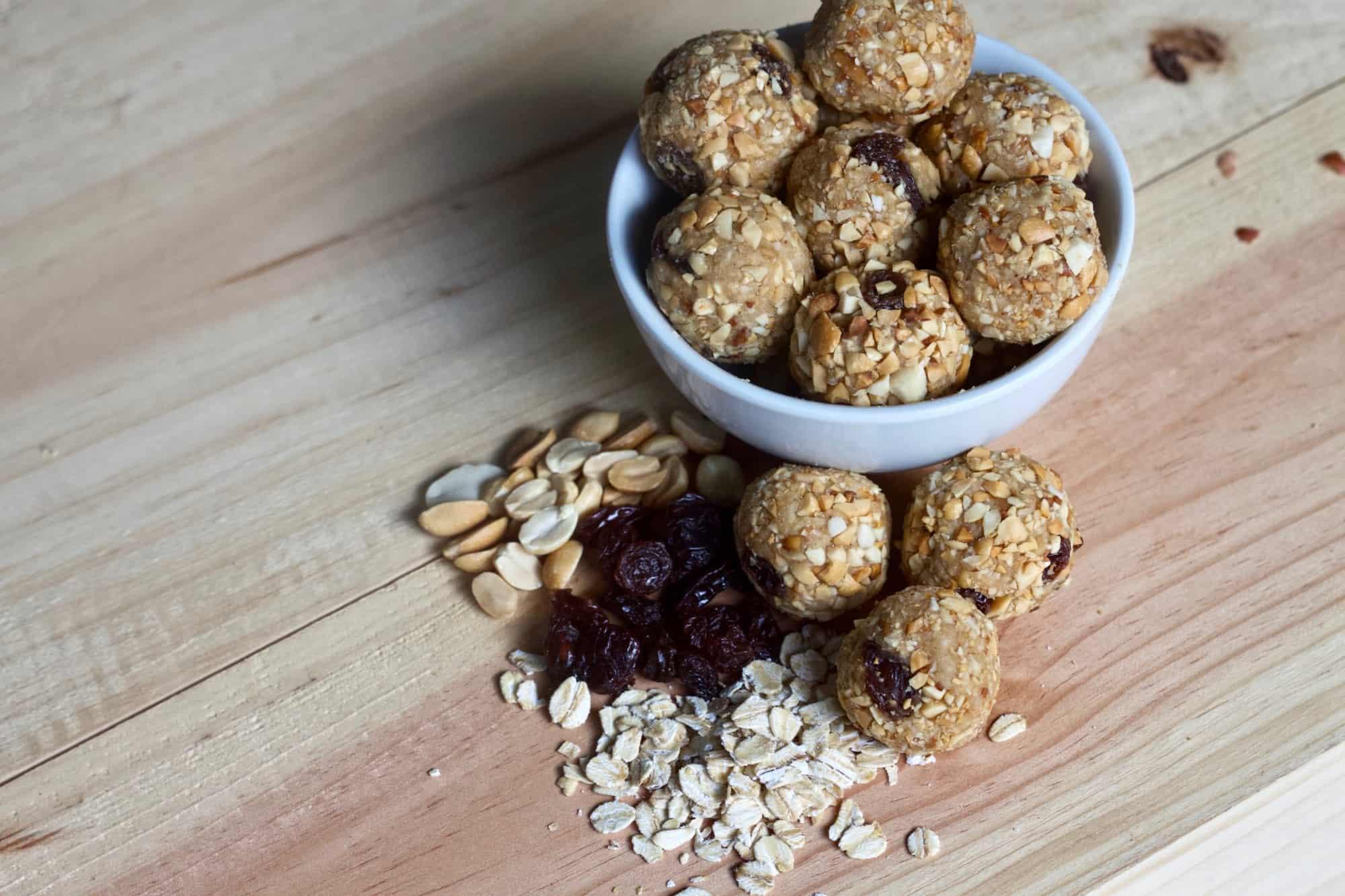 Easy Peanut Butter Raisin Energy Bites