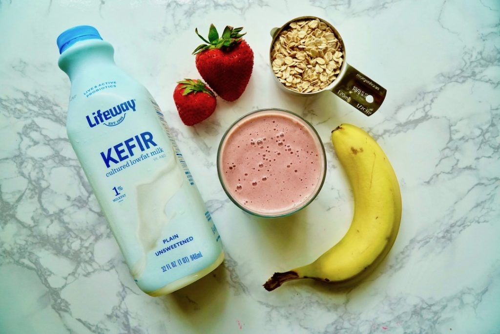 strawberry kefir smoothie with oats, banana, strawberries, kefir