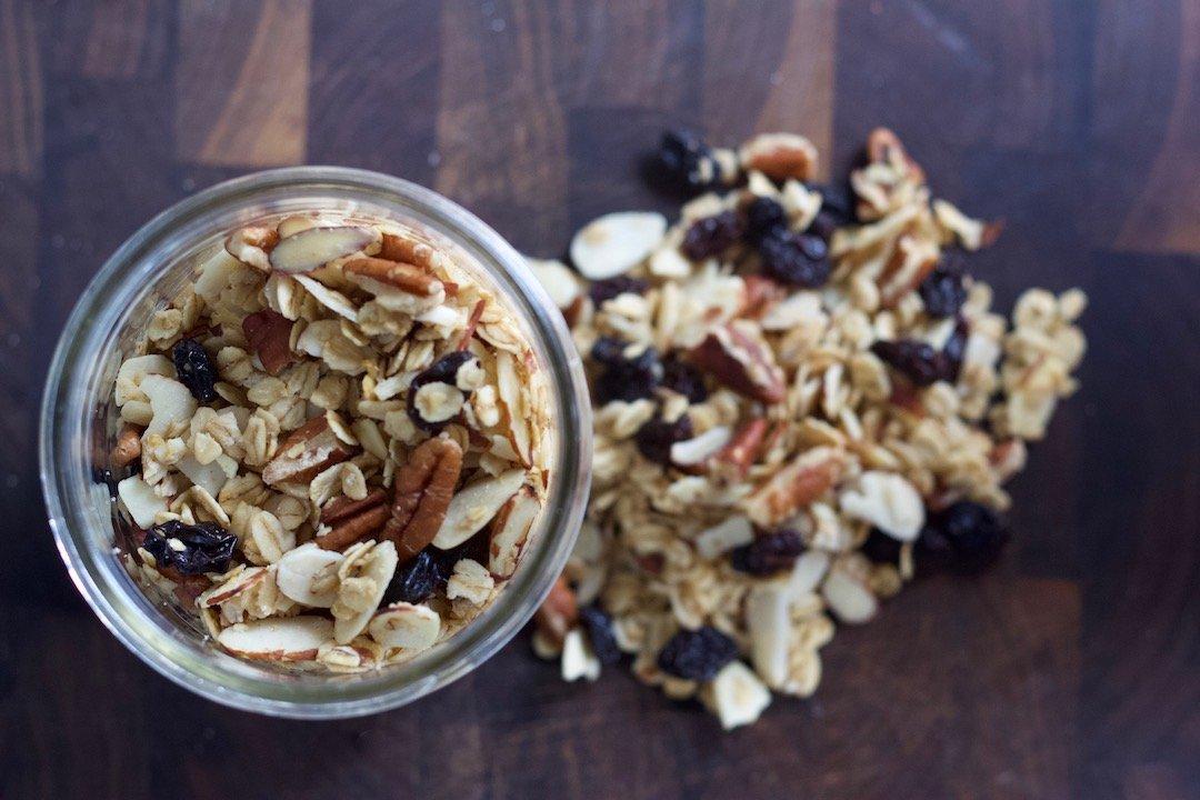 healthy oatmeal breakfast recipes: homemade maple pecan granola